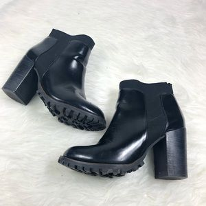Steve Madden Antyy Chelsea Chunky Boots